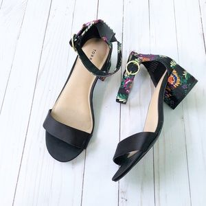 Torrid Black Sandals With Floral Embroidery 8.5